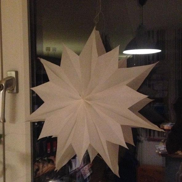 einfacher diy weihnachtsstern aus butterbrott ten. Black Bedroom Furniture Sets. Home Design Ideas