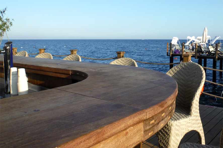 pier_bar_xanadu_resort