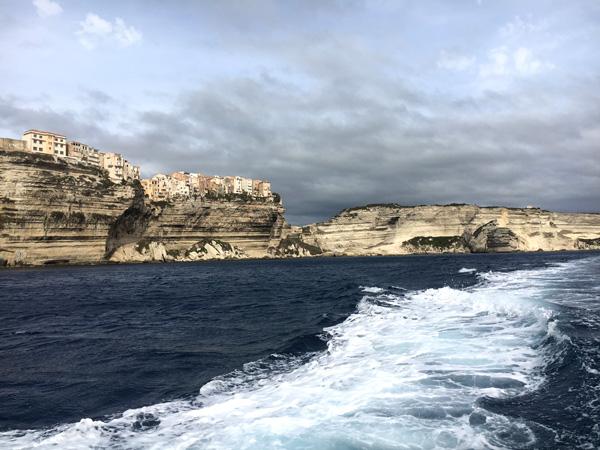 Küste von Bonifacio vom Wasser aus