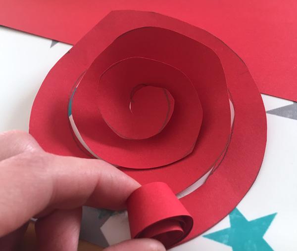 einfache_diy_rose_aus_pappe