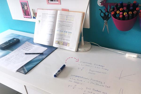 Schreibtisch Kinderzimmer Whiteboard
