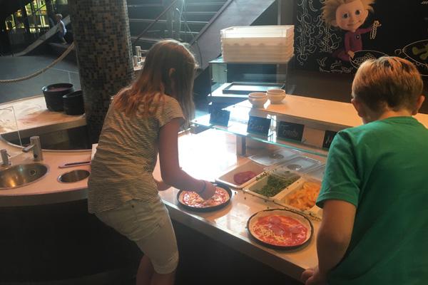 pizza_backen_kinder_autostadt_wolfsburg