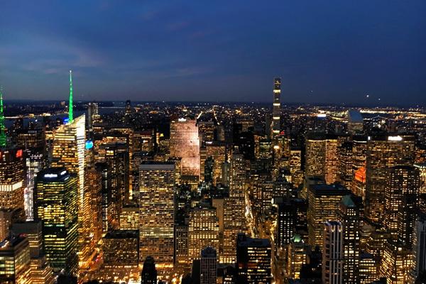 New_york_bei_nacht_esb