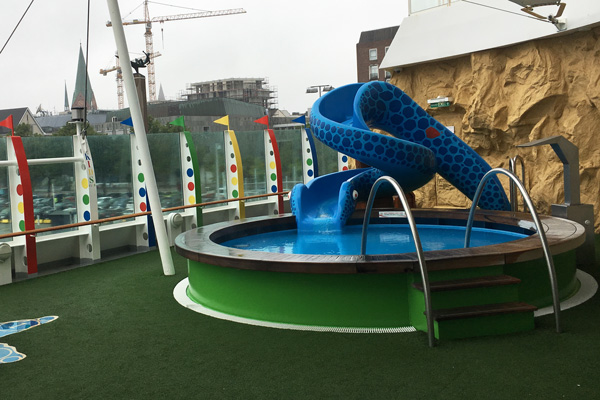 Pool_Miniclub_aida_luna