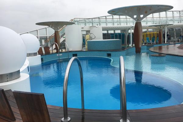 pool_aida_luna