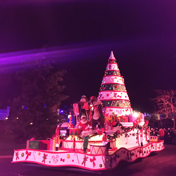 Silvester_parade_disneyland_paris