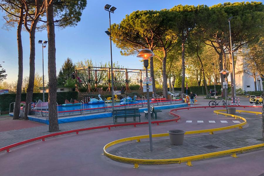 marina_di_venezia_kinderspielplatz