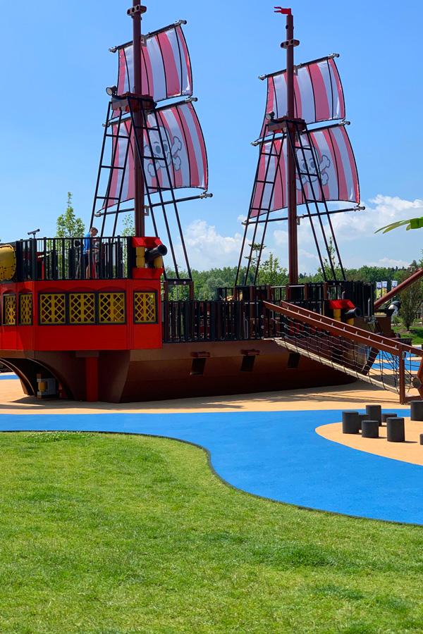 Legoland_Feriendorf_hotel-Piratenhotel