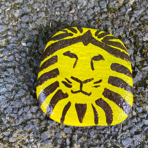 lion_king_rock_painting