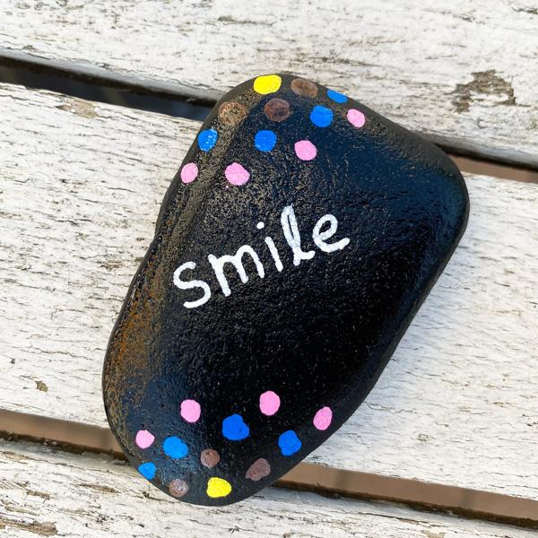 smile_lachen_stein_bemalen