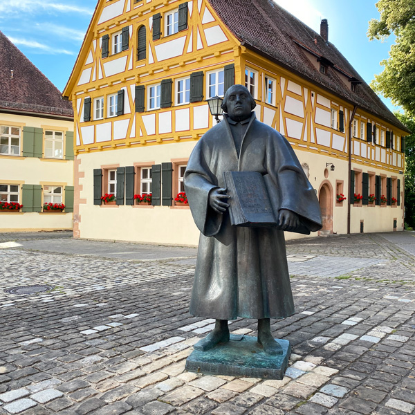 martin-luther-statue-weissenburg