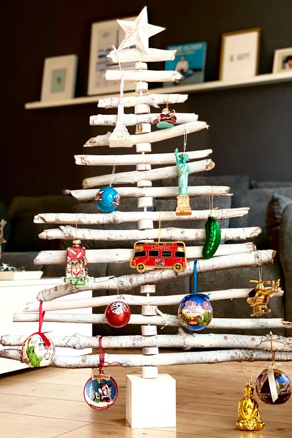 kitschiger_weihnachtsbaum_urlaubsmitbringsel_reiseblog_souvenir