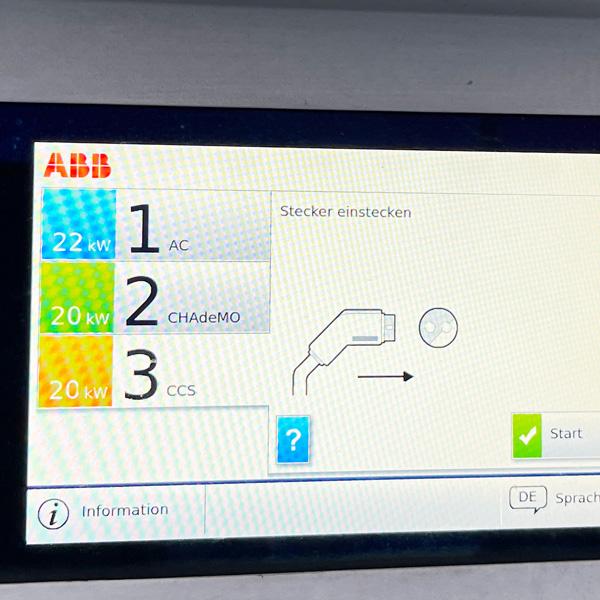 Laden_Ikea_E-auto