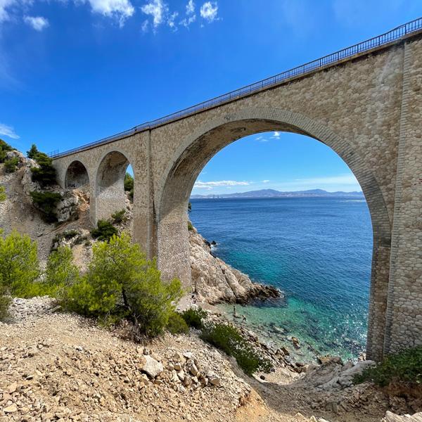 niolon-ausflug-marseille-viadukt